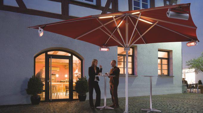 Sonnenschirm-mit-LEDs-und-Heizstrahlern-fuer-Gewerbe Sonnenschirme